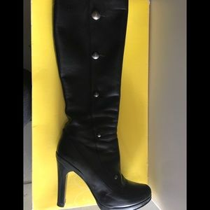 Fendi knee high black leather boots